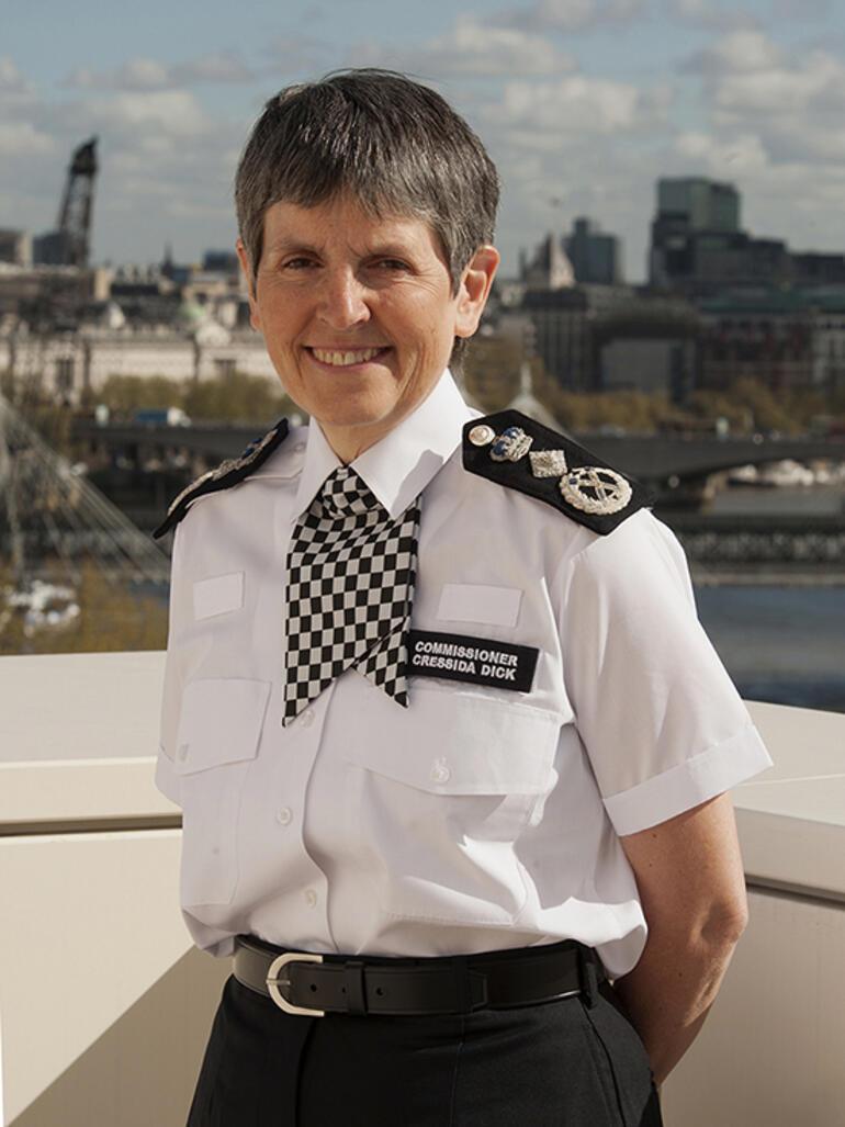İngiliz polisinde şoke eden itiraflar: 'Kızım saldırıya uğrasa polise gitme derim'