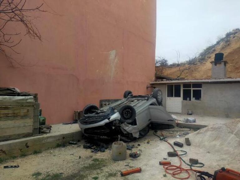 Karamanda hemşire Seycan Alanın kahreden ölümü Otomobiliyle 15 metreden uçtu...