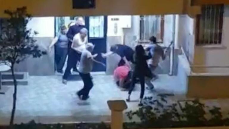 Kız arkadaşını dövdü Komşusunun yüzüne çatalla vurdu