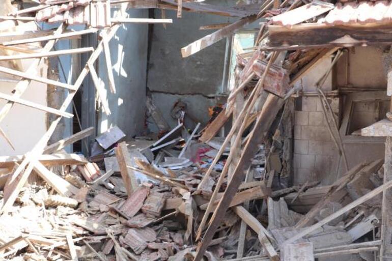 Helyum gazı tüpleri patladı, müstakil ev kullanılamaz hale geldi
