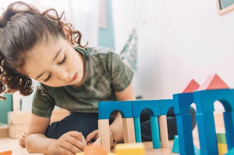 Kapanma döneminde ailelere 17 gün için 7 ev ödevi