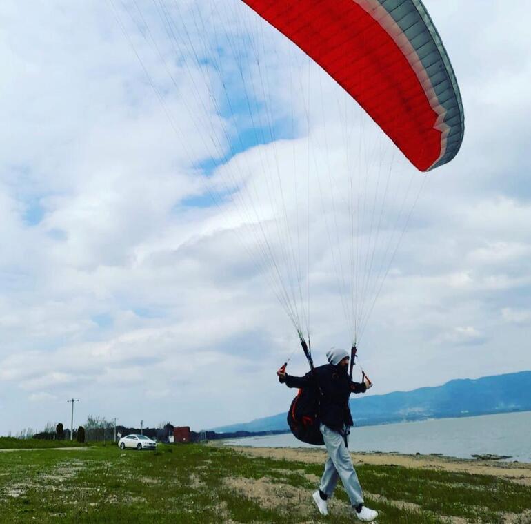 Her yerde aranıyor Bursada paraşütle dağdan atladı, olumsuz hava şartları nedeniyle gözden kayboldu
