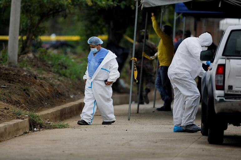 El Salvadorda kâbus büyüyor... Eski polisin bahçesinde 10 ceset daha bulundu