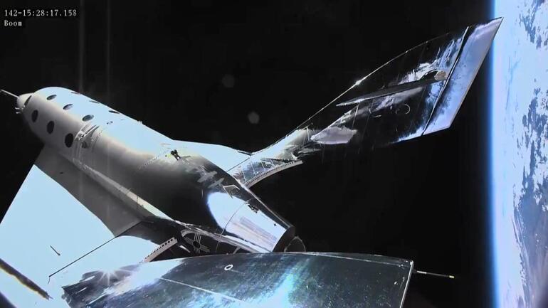 Virgin Galactic ikinci uçuş testini başarıyla tamamladı