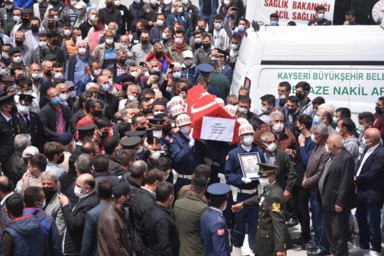 Şehit Uzman Onbaşı Eyyüp Gergin son yolculuğuna uğurlandı