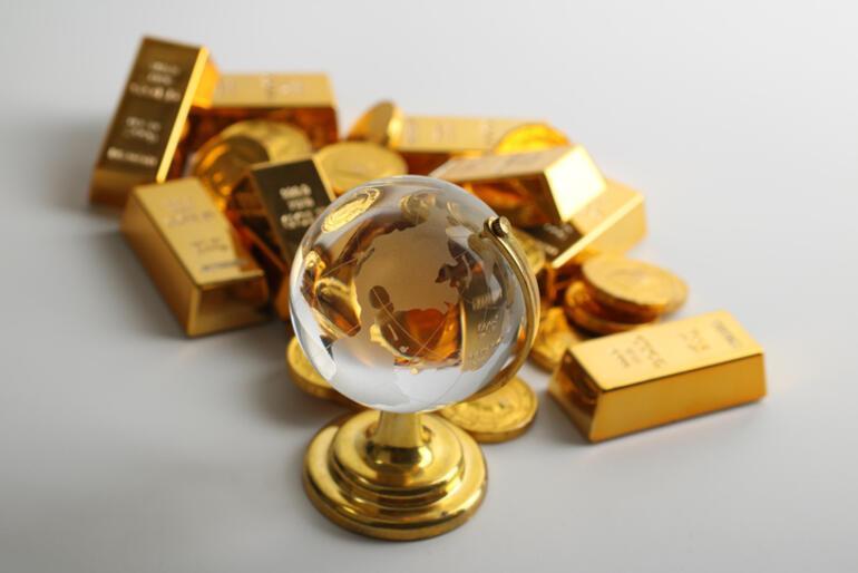 Dev fonu yönetiyor Altın ve dolar için tahminde bulundu