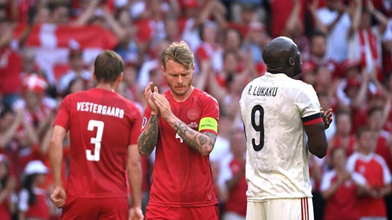 Danimarka-Belçika maçında Christian Eriksen için oyun durdu 2 takımdan alkış