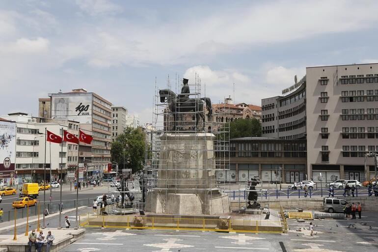 Zafer Anıtı'nda restorasyon başladı