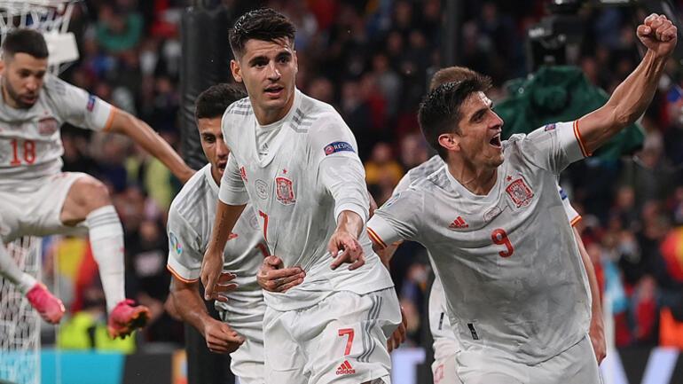 Son Dakika: EURO 2020de İspanyayı penaltılarla deviren İtalya ilk finalist oldu