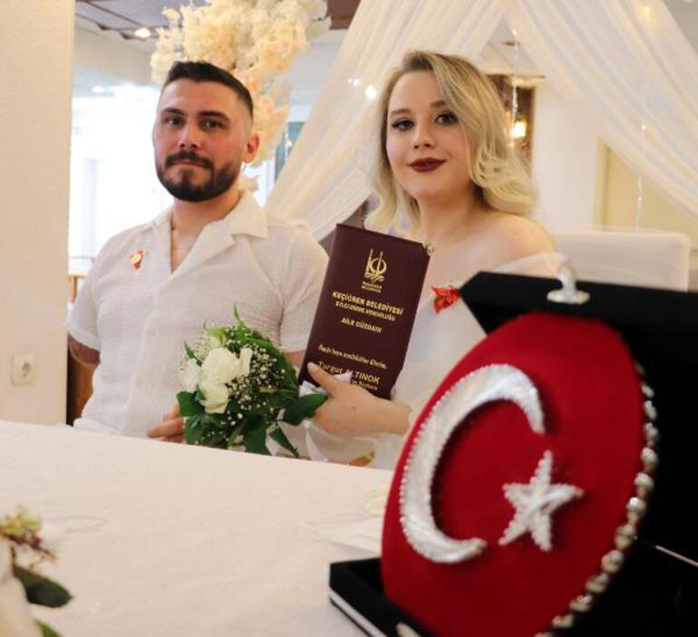 Uzman Çavuş İbrahim Yüzer, Pençe-Şimşek operasyonunda sağ kol ve bacağını kaybetti, hastanede evlendi... Hayat bitmedi