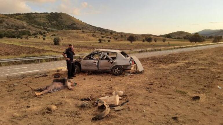 Konyada korkunç kaza Camdan fırlayan 4 kişi hayatını kaybetti