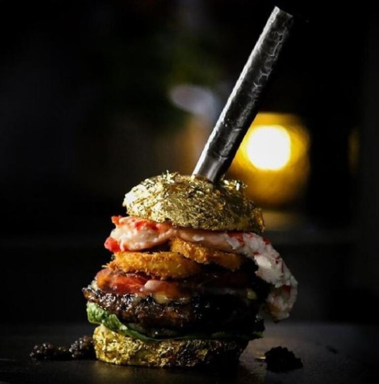 Dünyanın en pahalı burgeri rekor fiyata satıldı