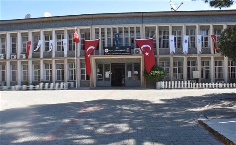 Türkiyenin en büyük cezaevlerinden biriydi... Buca Cezaevi kapatıldı