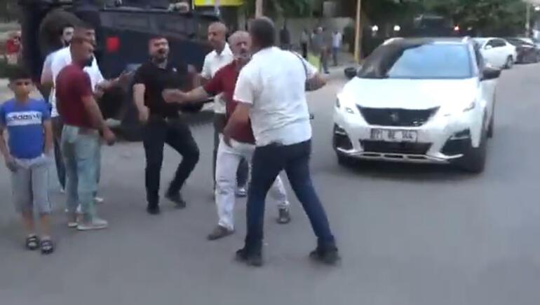 Diyarbakırda gazetecilere çirkin saldırı