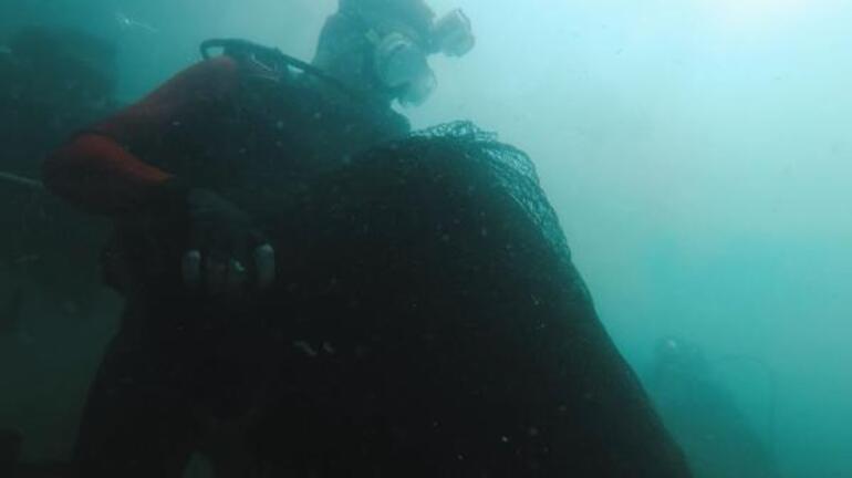 Bakan Pakdemirli Marmara Denizinden hayalet ağ çıkardı