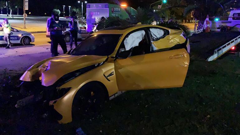 Gece yarısı Caddebostanda ilginç olay Lüks araçla kaza yapıp kaçtı