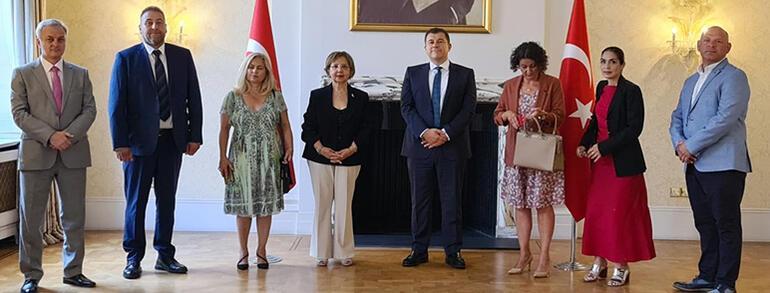 İngiltere Kıbrıs Türk Dernekleri Konseyi'nden Londra Büyükelçiliği'ne şükran ziyareti