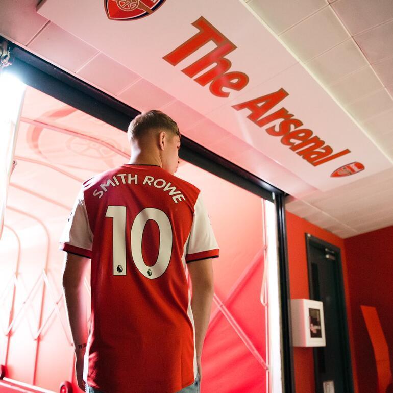 Arsenal, Mesut Özilin 10 numarasını ona verdi Yeni sözleşme...