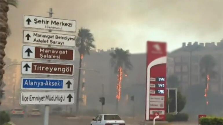 Son dakika... Manavgatta büyük felaket 4 farklı noktada yangın... Mahalleler boşaltıldı, Belediye Başkanından acı sözler
