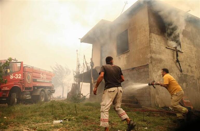 Son dakika... Antalya Manavgattan sonra bir ilçe daha yangın kâbusunu yaşıyor Evlerin yüzde 80i yandı
