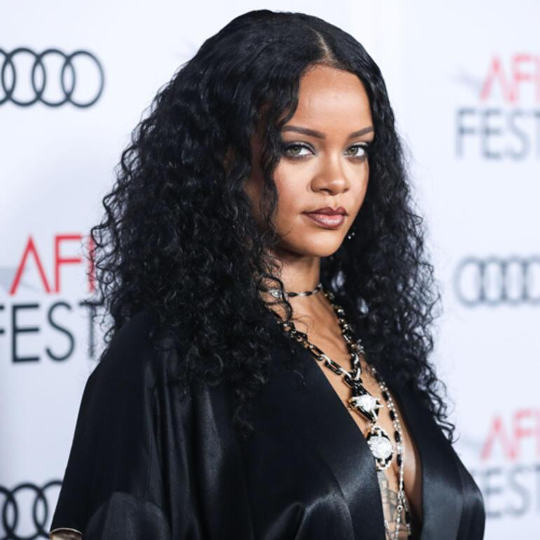 Rihanna milyarderler listesine girdi