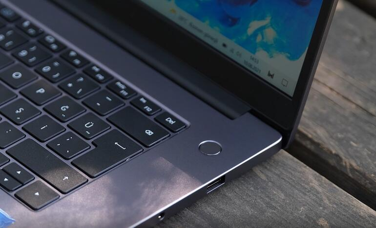 HONOR MagicBook X 15 review