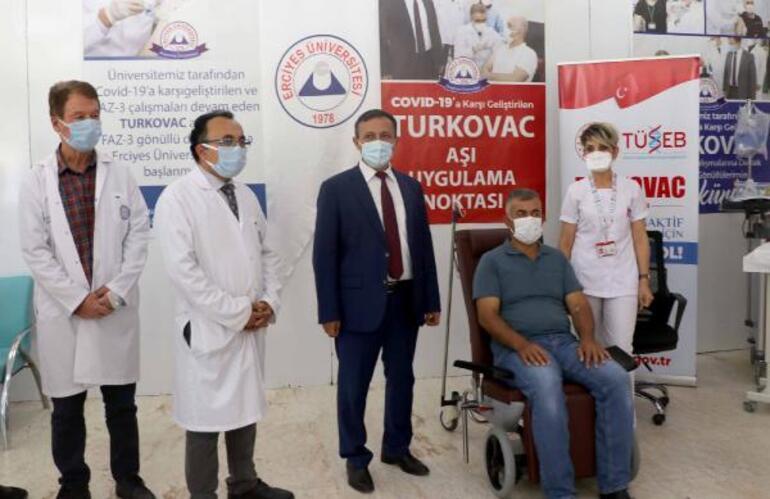 Turkovacın Faz 3 aşamasında ilk dozu, aşının üretildiği ERÜde de uygulanıyor