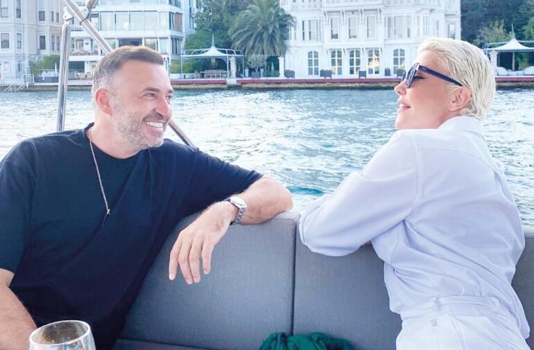 Dilan Çiçek Deniz y su novio Thor Saevarsson aprenden español