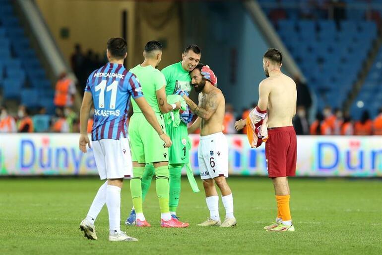 Son Dakika: Trabzonspor - Galatasaray maçının kırılma anı İşler bir anda değişti... Devre arasında...