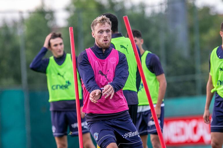 Nicolai Jörgensen, Kasımpaşada kariyeri için tekrar çıkış arıyor