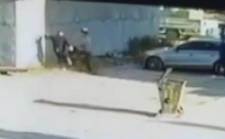 Kız kardeşinin videosunda gördü, tekme tokat dövdü Yere yığıldı...