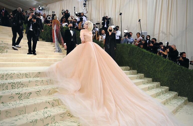 Punk Pamuk Prenses bu elbiseyi ne karşılığında giydi