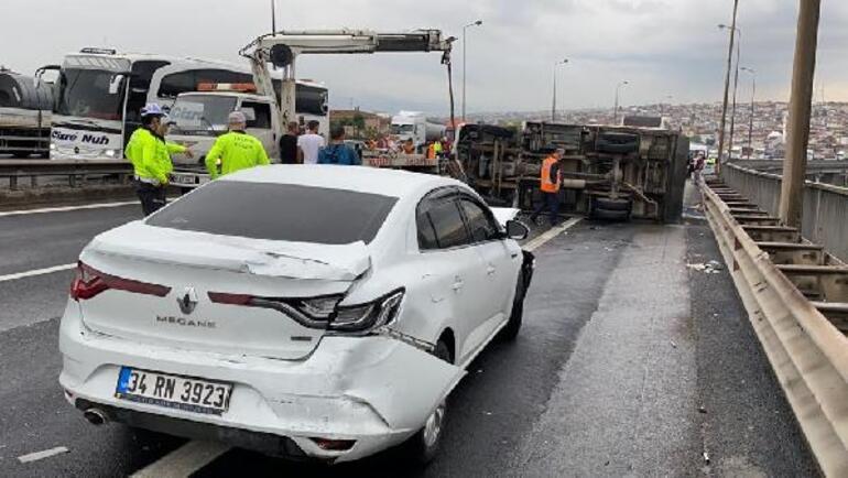 Son dakika... TEMde 7 aracın karıştığı zincirleme kaza 3 kişi yaralandı