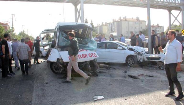 Afyonkarahisarda korkunç kaza: Freni boşalan TIR araçları biçti
