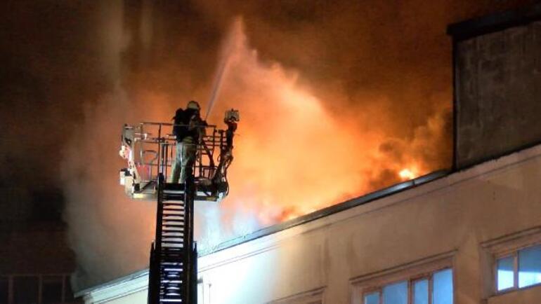 İstanbul Eyüpsultanda korkutan yangın