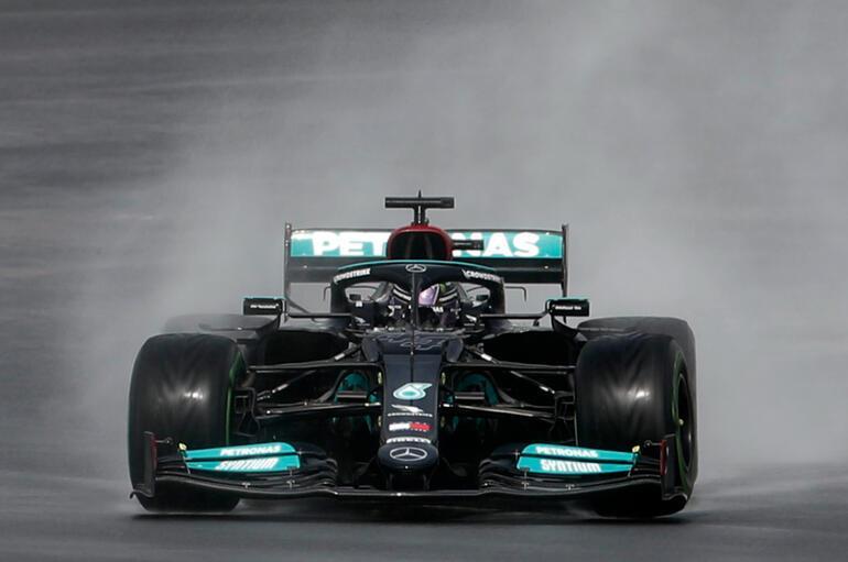 Son Dakika: Formula 1 Türkiye Grand Prixsi sonrası Lewis Hamiltondan kavga açıklaması Takıma kızgın olduğum...