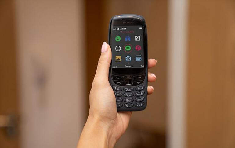 Nokia 6310 is back with snake game