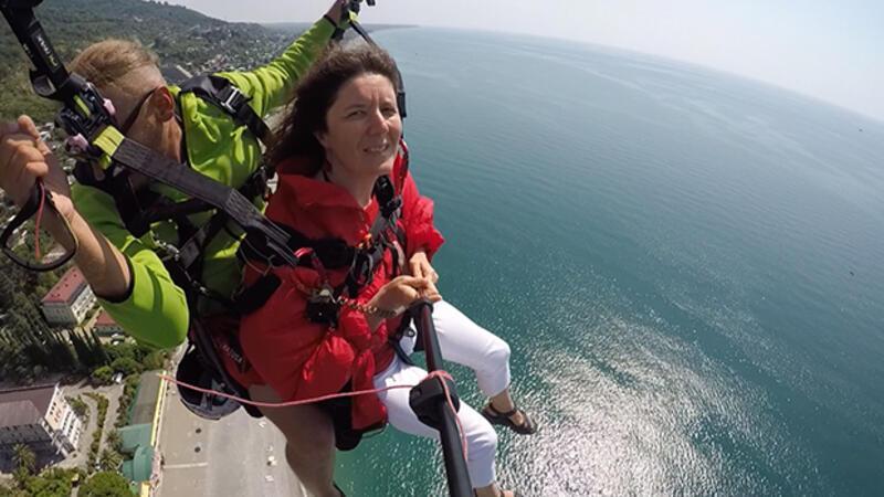 Abhazya'da yamaç paraşütü