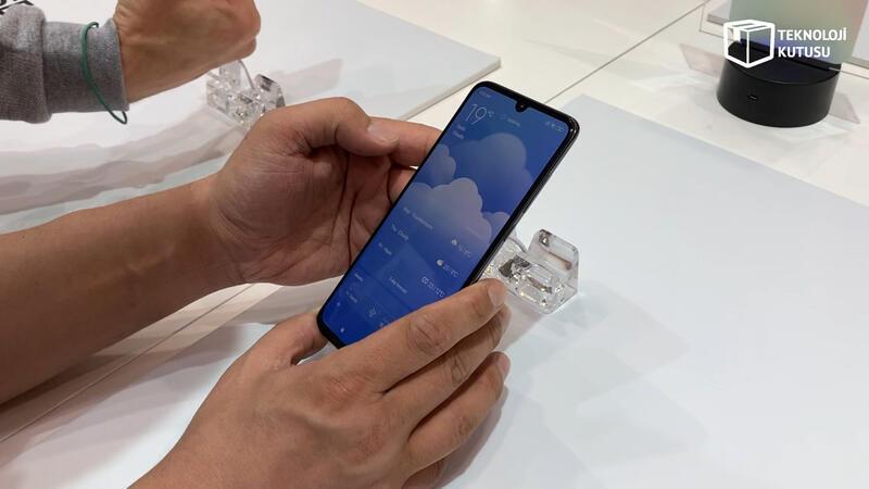 Beklenen Xiaomi Mi 9 resmen duyuruldu!