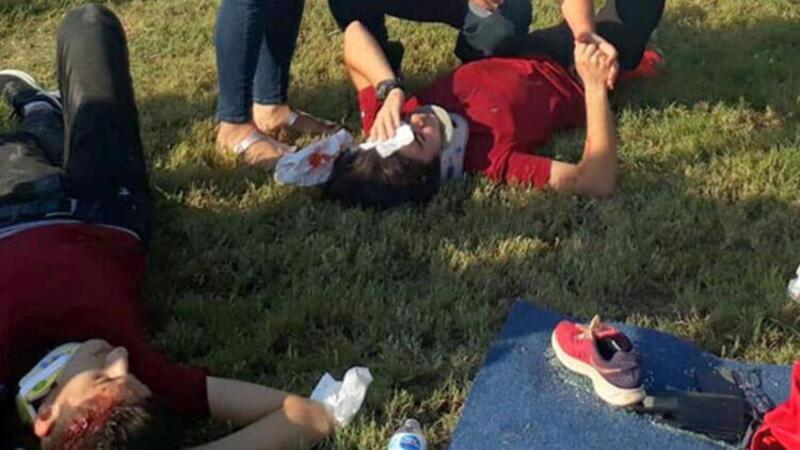 Öğrenci servis minibüsü ile kamyon çarpıştı: 22 yaralı