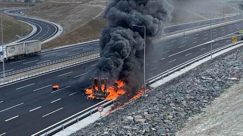 Kuzey Marmara Otoyolunda TIR dorsesi yandı