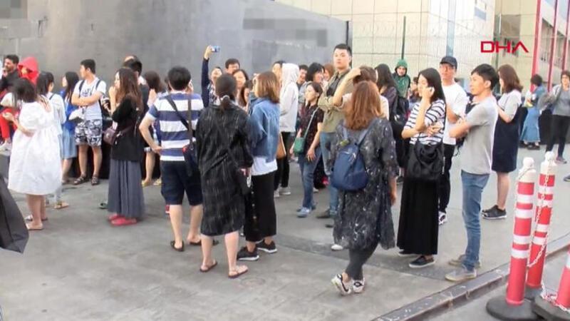 İstanbul'da panik anları! Turistler kendilerini dışarı attı