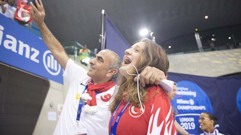 Sümeyye Boyacı, Dünya Paralimpik Yüzme Şampiyonası'nda ikinci oldu