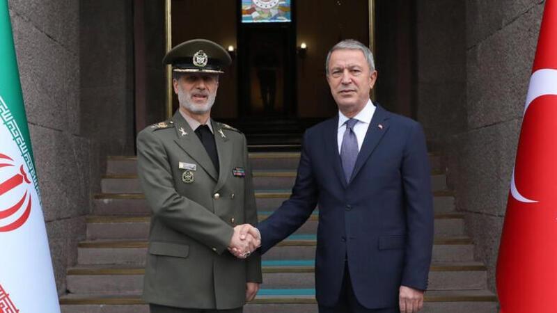 Milli Savunma Bakanı Akar, İran Savunma Bakanı ile görüştü