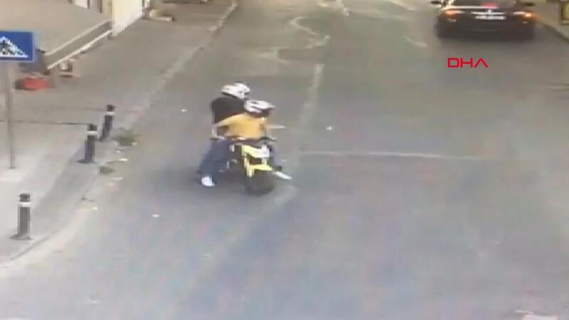 Gaziosmanpaşa'da motosikletli saldırganlardan 4 ayrı silahlı saldırı