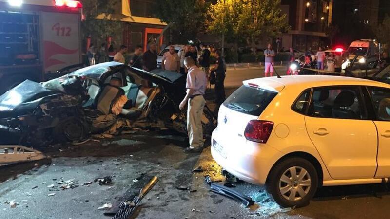 Karşı şeride geçen otomobil, cip ile çarpıştı