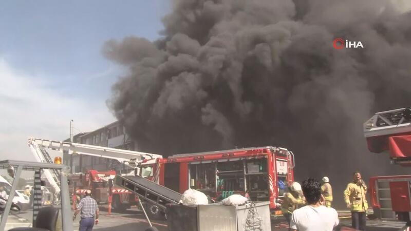 Başakşehir'de sanayi bölgesinde yangın