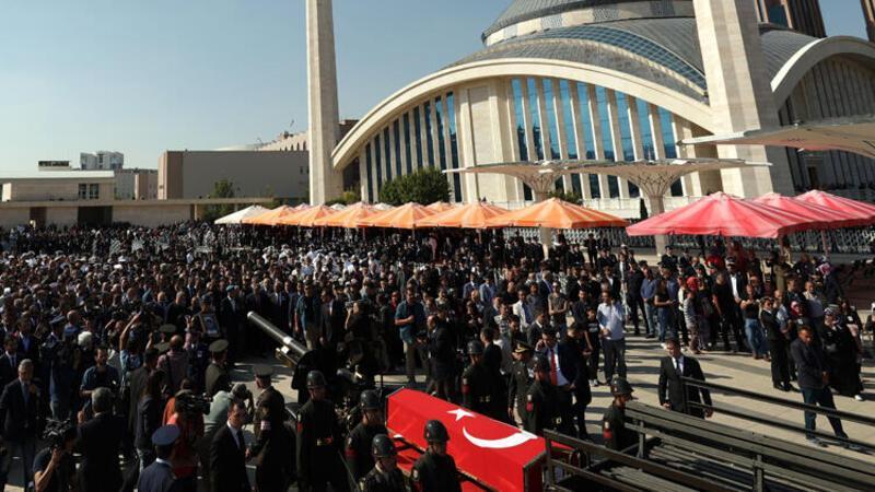 Barış Pınarı Harekâtı'nın ilk şehidi son yolculuğuna uğurlandı