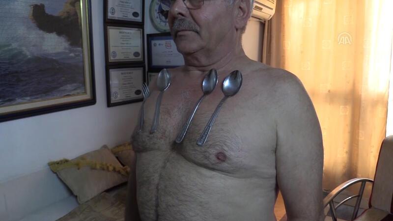 "İzmirli ""mıknatıs adam"""
