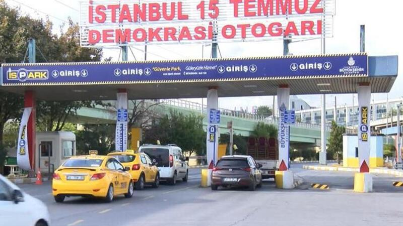 """Otogarda taksicilerin tartışma yaratan """"park ücreti"""" talebi"""